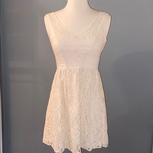 American Eagle Off-White Lace Dress